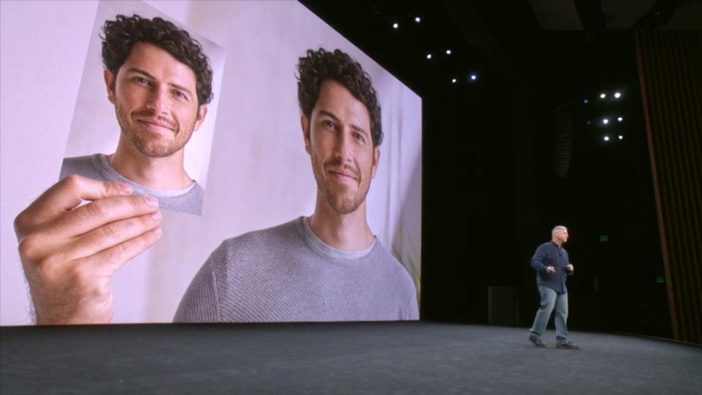 ▲更重要的是即使別人拿著你的相片、戴上你樣貌的像真度高面具、甚至是十分相似的孖生兄弟,都不能解鎖你的 iPhone X。